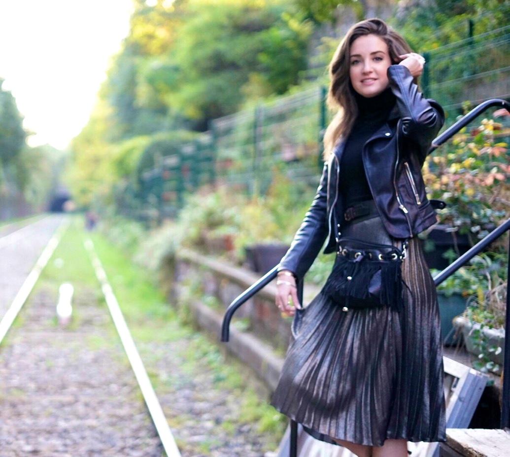 Sunday outfit   jupe plissée métallisée   perfecto - Monsieur Madame 08ca342ae2d2