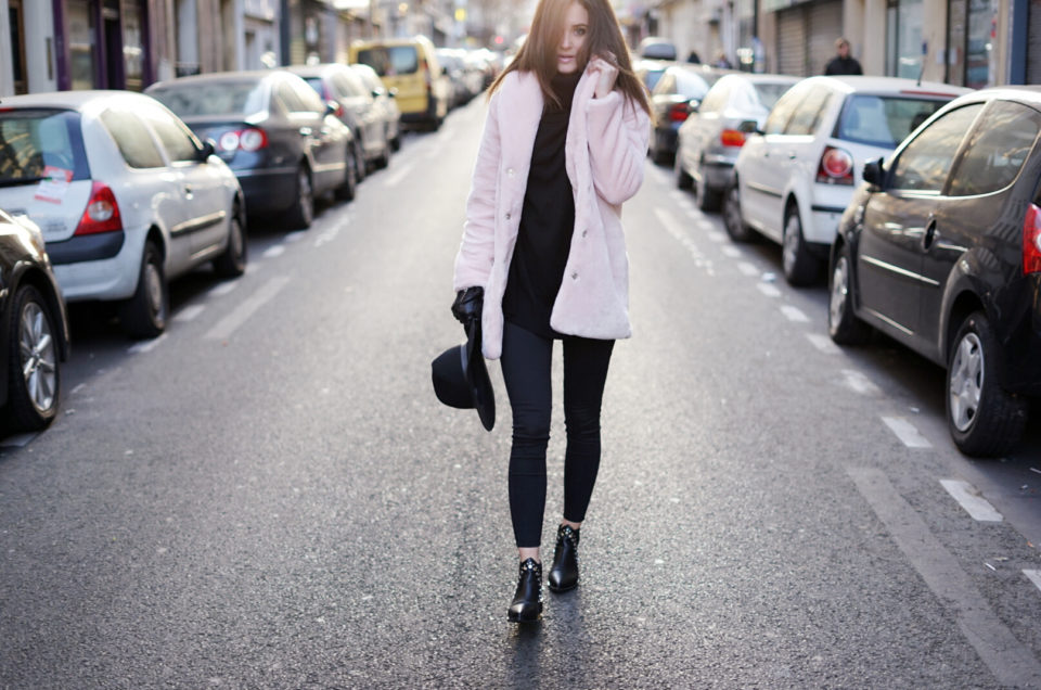 Like a candy ... manteau rose #fauxfur et total look noir